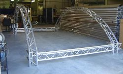 Curved-Display-Truss-1