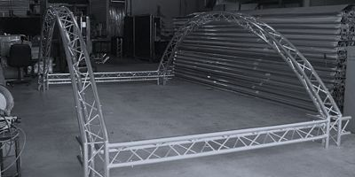 Curved-Custom-Trade-Show-Booths-Exhibit-Truss-Aluminum-System