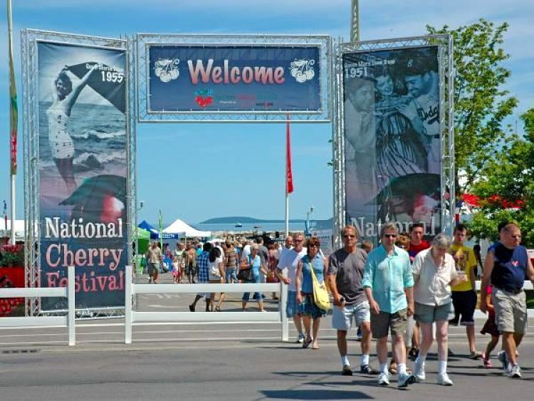 VersaTruss-Archway-National-Cheery-Festival-1