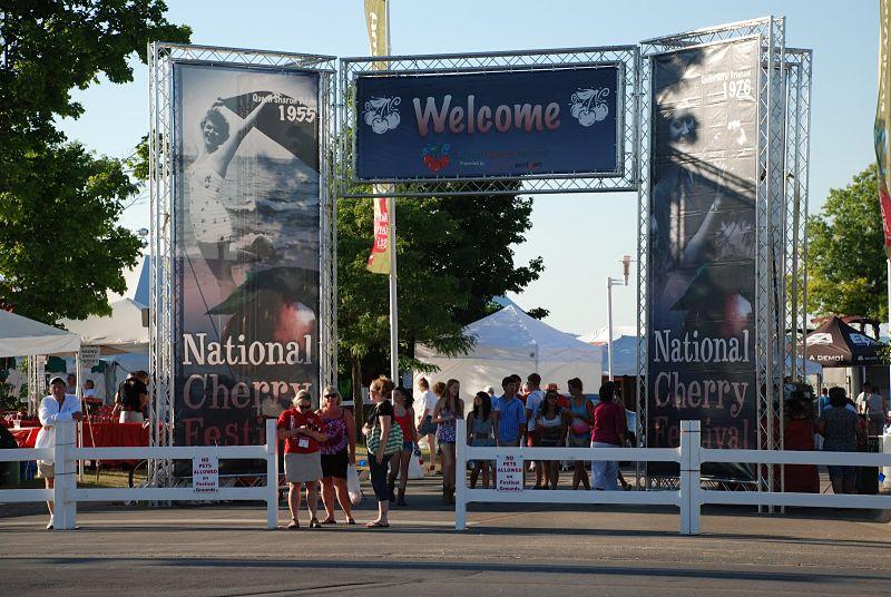 VersaTruss-Archway-National-Cheery-Festival-4
