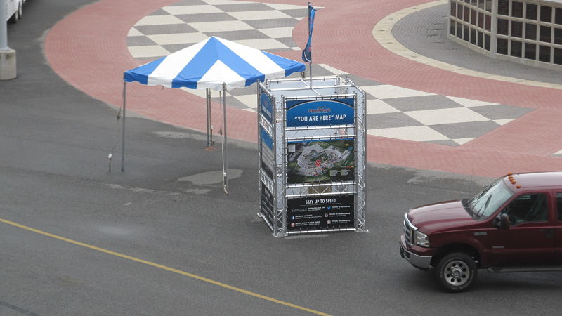 Slide-VersaTruss-Banner-Stand-Display-Truss