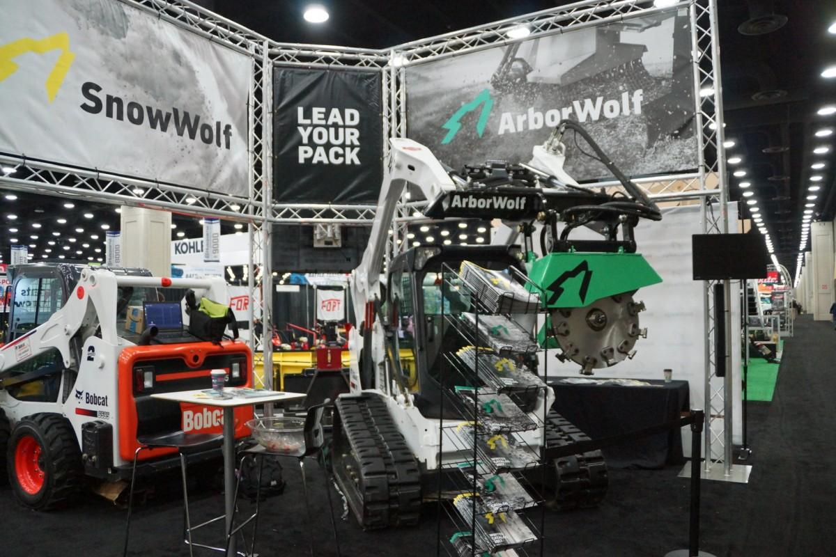 VersaTruss-Snow-Wolf-TradeShow-Booth-6